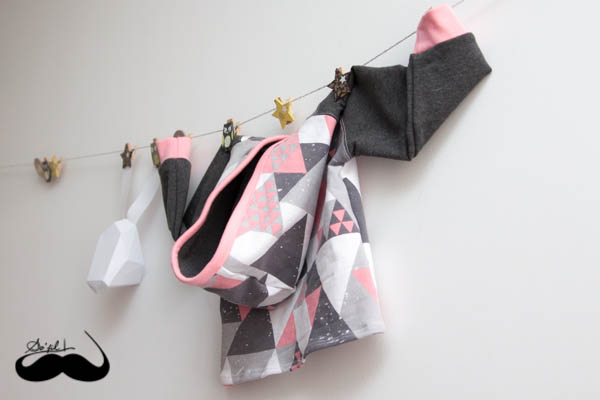 sweats capuche triangles roses sofilcreations